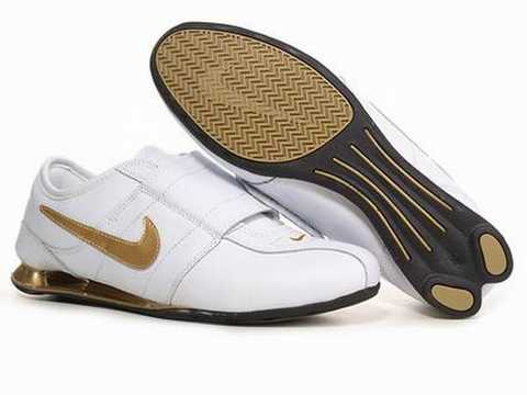the latest 5e7a0 d8897 ... nike shox rivalry homme